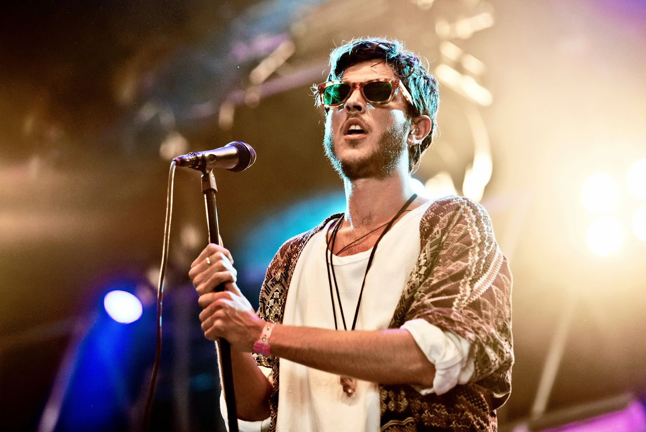 Oscar and the Wolf op Pinkpop in 2015.