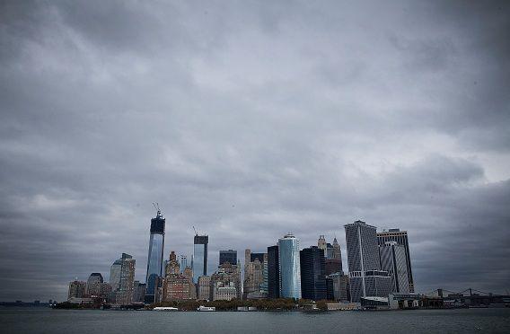 Vanaf vanavond zeven uur zullen er geen metro's, treinen en bussen meer rijden in New York City. Er wordt noodweer verwacht door de naderende orkaan Sandy.