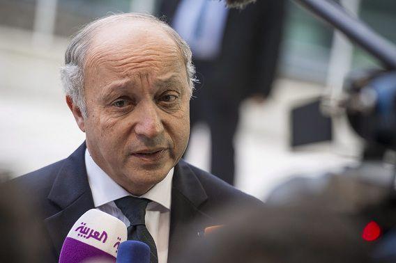 De Franse minister van Buitenlandse Zaken Laurent Fabius heeft de Amerikaanse ambassadeur op het matje geroepen over de Amerikaanse spionagepraktijken in zijn land, waarvan de omvang vandaag duidelijk werd.