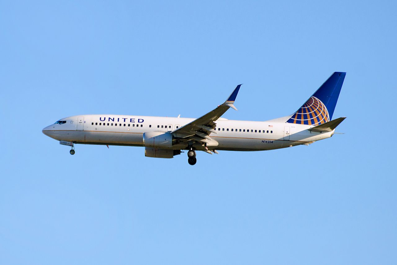 United Airlines, Boeing 737.