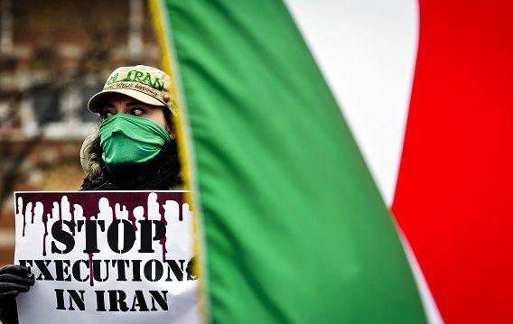 Nederlandse Iraniërs protesteerden begin 2011 op het Plein in Den Haag tegen de executie van Zahra Bahrami.