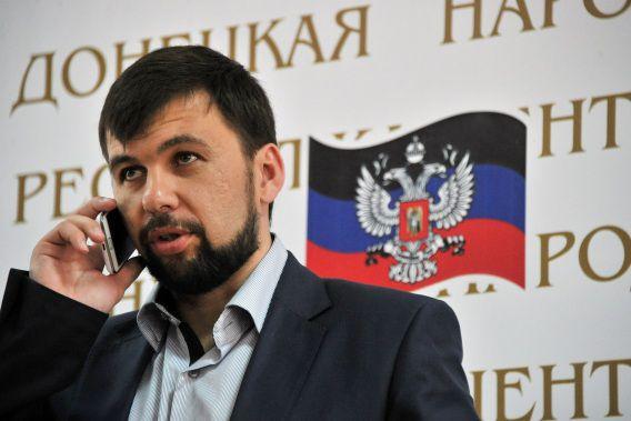 Denis Poesjilin, president van de zelfbenoemde Volksrepubliek Donetsk, tijdens de persconferentie over de referendumuitslag in Donetsk.