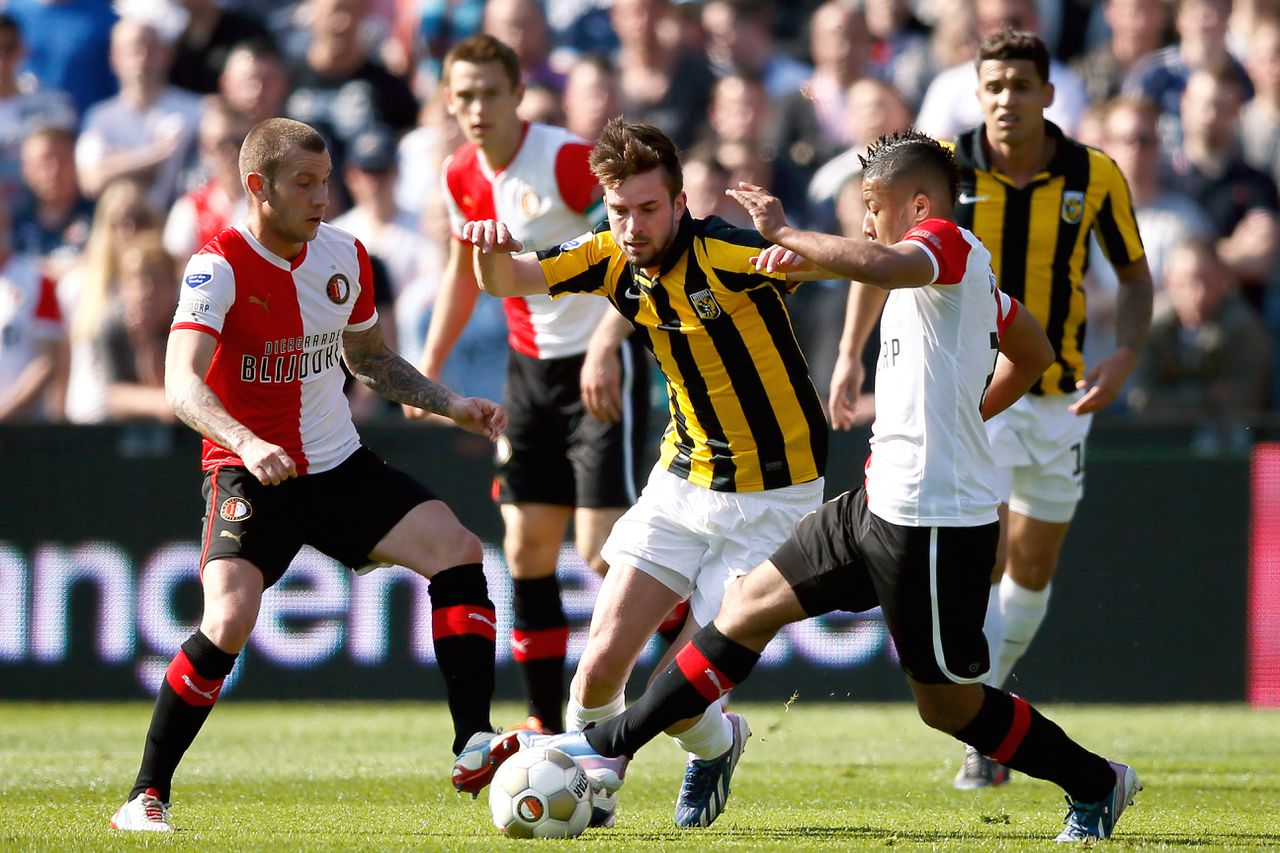 Onderwerp/Subject: Feyenoord - Vitesse - Eredivisie Reklame: Club/Team/Country: Seizoen/Season: 2012/2013 FOTO/PHOTO: Tonny TRINDADE DE VILHENA (R) of Feyenoord and John GOOSSENS (L) of Feyenoord in duel with Davy PROPPER (C) of Vitesse. (Photo by PICS UNITED) Trefwoorden/Keywords: #04 $38 ±1355242410409 Photo- & Copyrights © PICS UNITED P.O. Box 7164 - 5605 BE EINDHOVEN (THE NETHERLANDS) Phone +31 (0)40 296 28 00 Fax +31 (0) 40 248 47 43 http://www.pics-united.com e-mail : sales@pics-united.com (If you would like to raise any issues regarding any aspects of products / service of PICS UNITED) or e-mail : sales@pics-united.com ATTENTIE: Publicatie ook bij aanbieding door derden is slechts toegestaan na verkregen toestemming van Pics United. VOLLEDIGE NAAMSVERMELDING IS VERPLICHT! (© PICS UNITED/Naam Fotograaf, zie veld 4 van de bestandsinfo 'credits') ATTENTION: © Pics United. Reproduction/publication of this photo by any parties is only permitted after authorisation is sought and obtained from PICS UNITED- THE NETHERLANDS