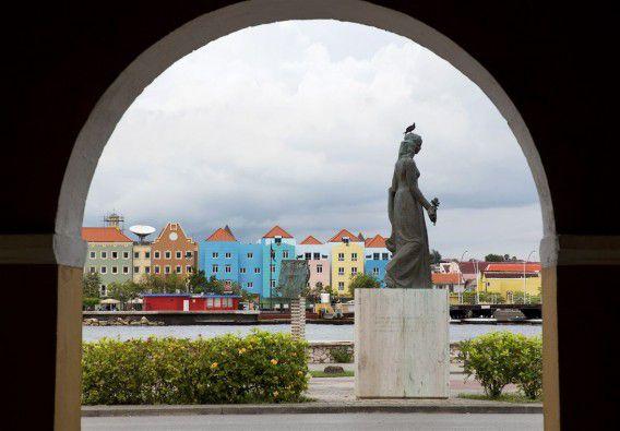 Uitzicht op de wijk Otrobanda, ook Otrabanda genoemd. Foto ANP / Michael Kooren
