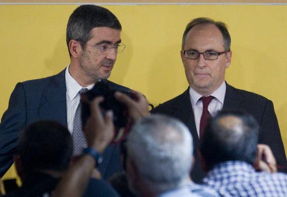 Fernando Jimenez Latorre (links), staatssecretaris van economische zaken, en Fernando Restoy (rechts), vice president van de centrale Banco de España, maakten vanavond bekend dat zwakke Spaanse banken tot 62 miljard euro nodig hebben.