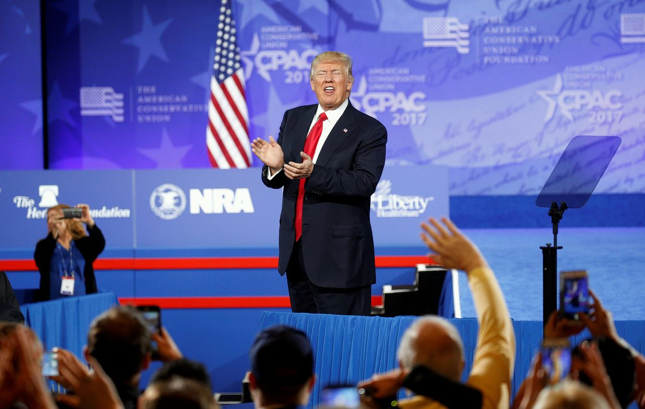 President Donald J. Trump juicht zijn supporters toe tijdens CPAC: Conservative Political Action Conference in de staat Maryland.