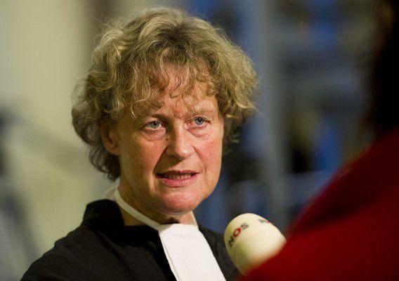 Advocate Benedicte Ficq heeft vandaag een staking onder strafrechtadvocaten aangekondigd tegen de bezuinigingsplannen van staatssecretaris Teeven.