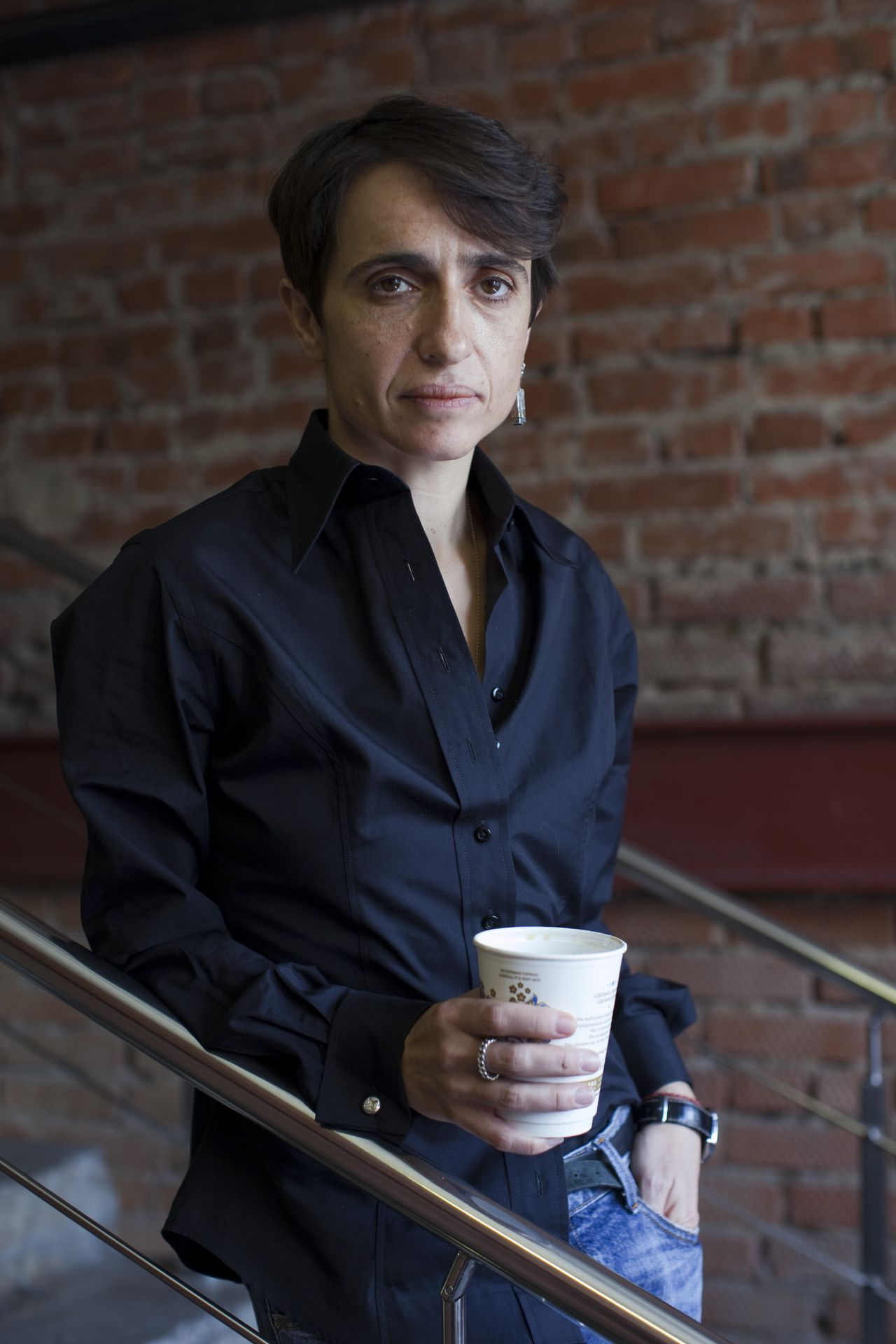Moscow, Russia, 17/02/2011. Editor Masha Gessen at Snob magazine in their offices in a converted army factory. Photo: Jeremy Nicholl / Hollandse Hoogte Uit serie: Snob Magazine (40x)