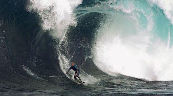 Still uit de nieuwe surfvideo van Chris Bryan