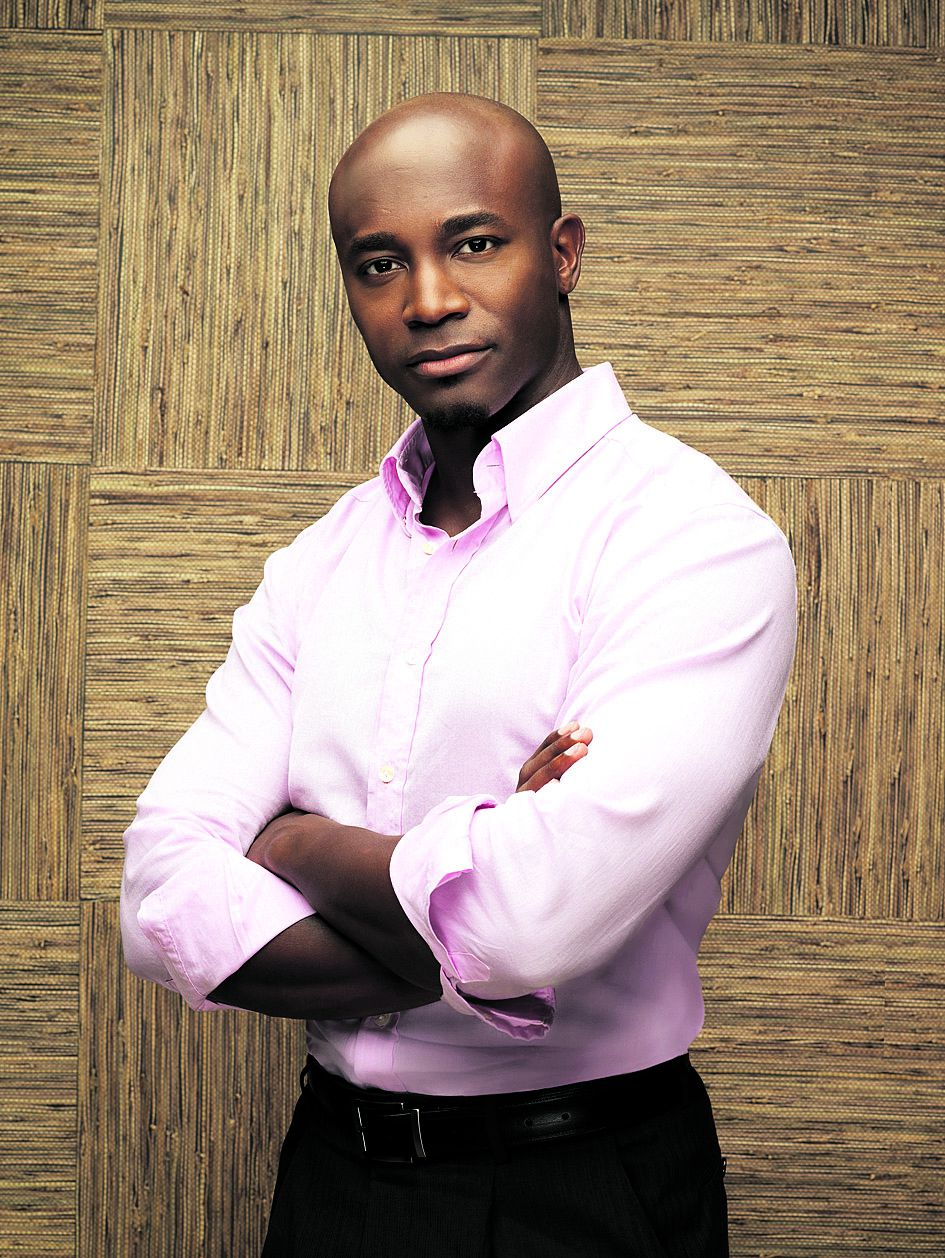 """Private Practice-acteur Taye Diggs PRIVATE PRACTICE - Taye Diggs stars as Dr. Sam Bennett on the ABC Television Network's """"Private Practice."""" (ABC/JUSTIN STEPHENS)"""