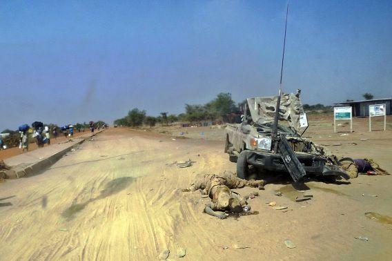 Lichamen worden gevonden in de Zuid-Soedanese stad Bor, enkele dagen nadat het leger hier opnieuw de macht greep nadat de rebellen het vorige week veroverden.