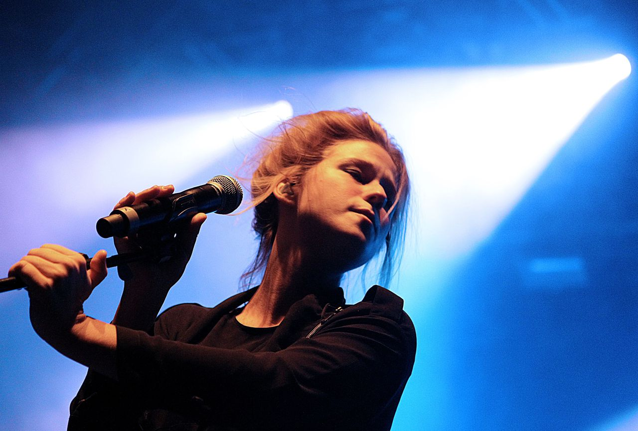 Belgian singer Selah Sue performs on November 25, 2011 at the Cartonnerie in Reims. AFP PHOTO FRANCOIS NASCIMBENI