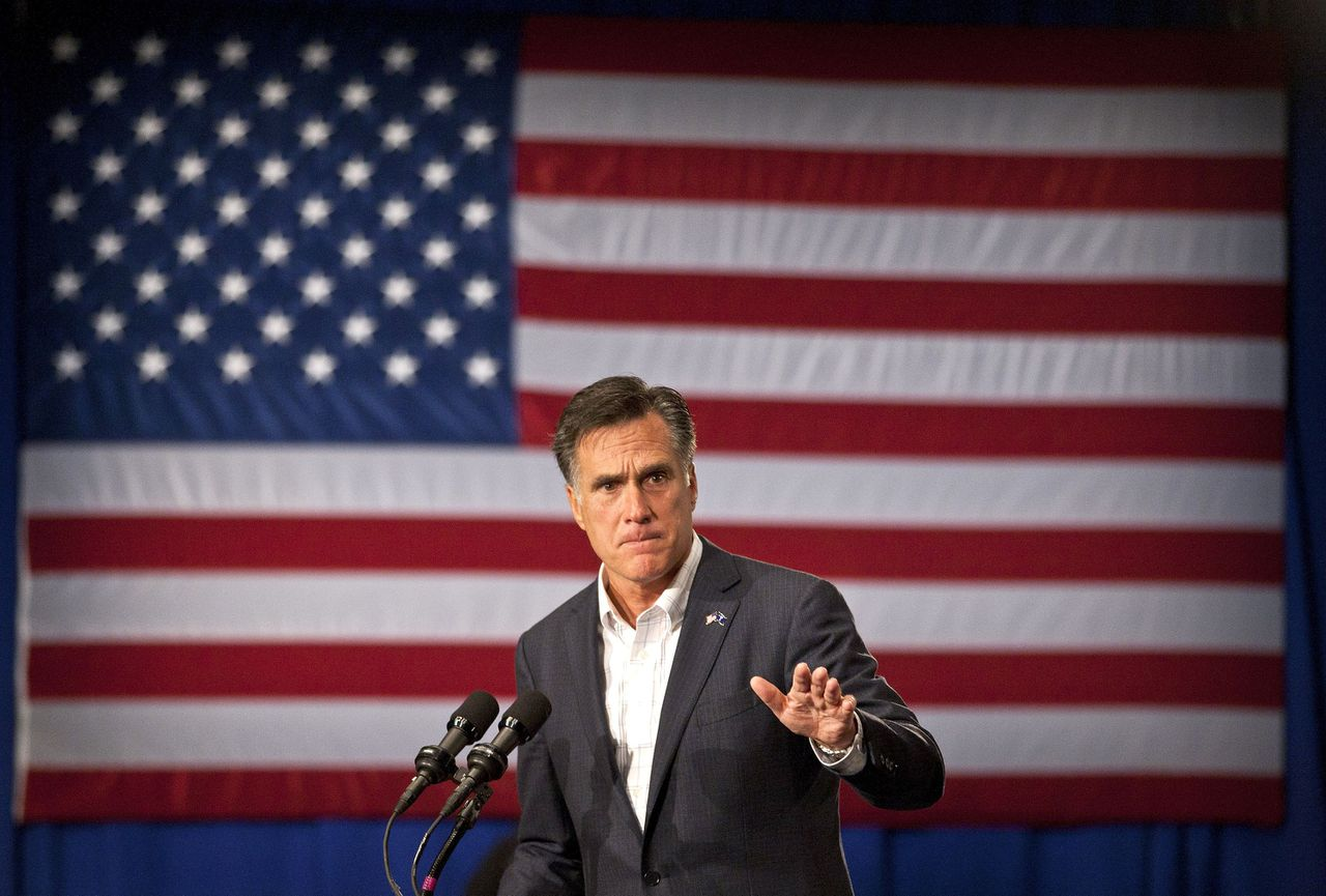 U.S. Republican presidential candidate and former Massachusetts Governor Mitt Romney speaks during a rally in Greenville, South Carolina December 16, 2011. REUTERS/Chris Keane (UNITED STATES - Tags: POLITICS)