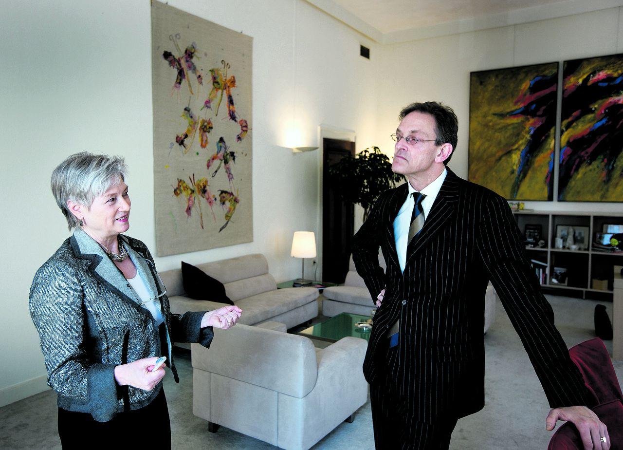 Job Frieszo, voorheen NOS, als directeur communicatie van minister Van der Hoeven van Economische Zaken, in april 2008. Foto Vincent Mentzel