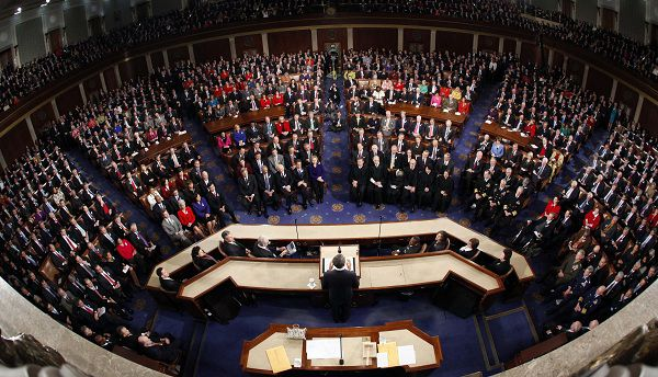 Obama spreekt zijn State of the Union in het congres uit in Capitol Hill in Washington. Foto Reuters / Jim Young