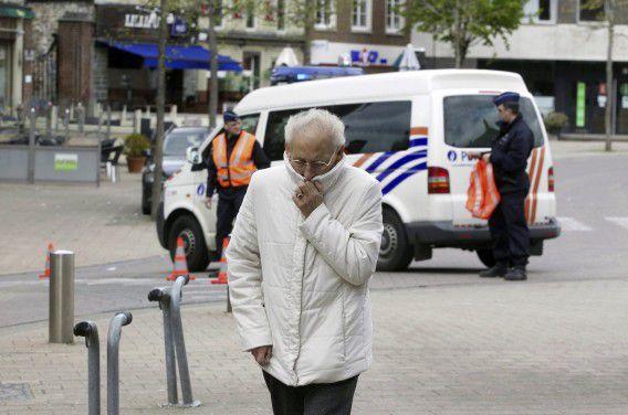 Inwoners van Wetteren wordt nog steeds geadviseerd ramen en deuren dicht te houden in verband met giftige dampen, die gisteren vrijkwamen na het ongeluk met een goederentrein.