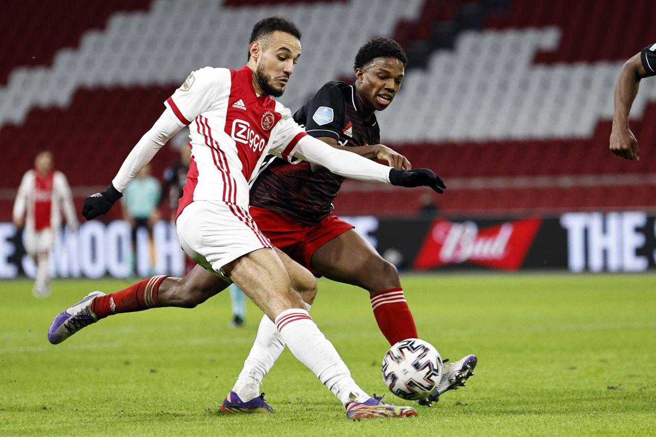 Ajax wint Klassieker van Feyenoord, alleen aan kop in Eredivisie