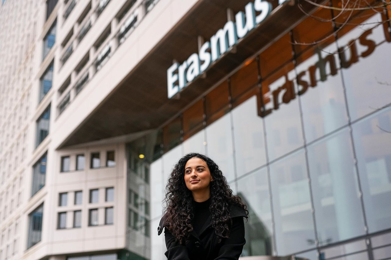 Manal Salhi (26), arts in opleiding in het Erasmus MC.