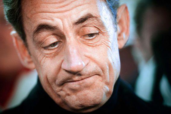 De Franse oud-president Nicolas Sarkozy. In het eerste interview na zijn verhoor door de autoriteiten, zegt hij dat hij niets onwettigs heeft gedaan en dat het onderzoek naar hem politiek gemotiveerd is. Sarkozy wil in 2017 weer presidentskandidaat worden.
