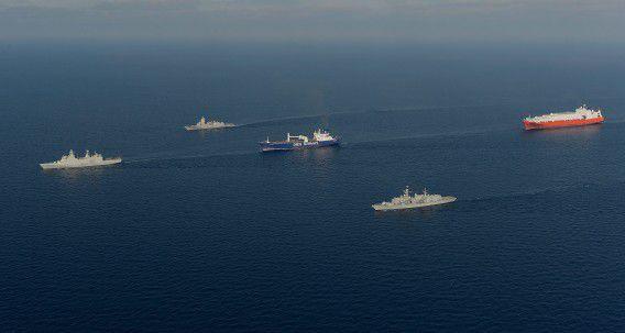 De Britse marine escorteert een aantal schepen met grondstoffen voor chemische wapens uit Syrië, in februari.