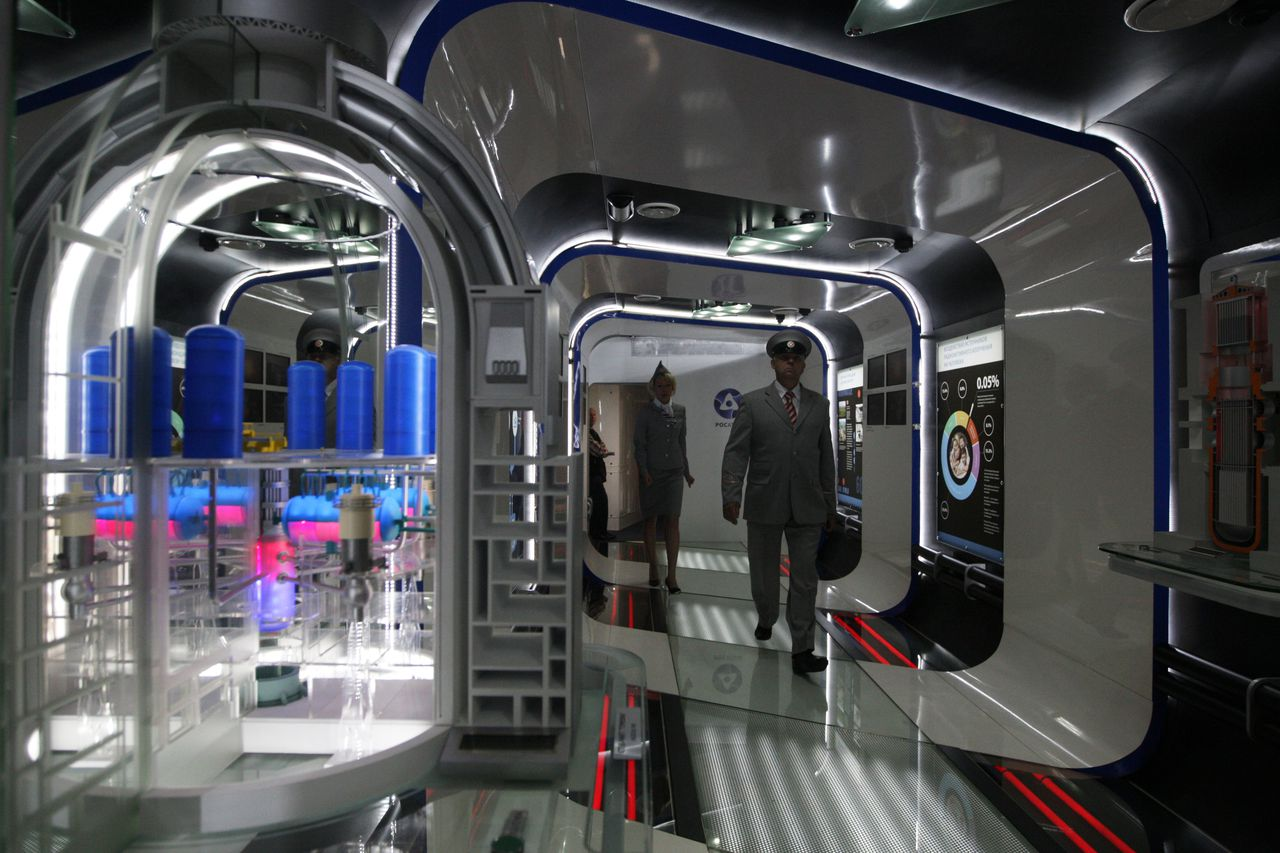 A hall at Russian Railway's travelling exhibition and lecture complex (TELC) featuring nanoproducts by Russian manufacturers.