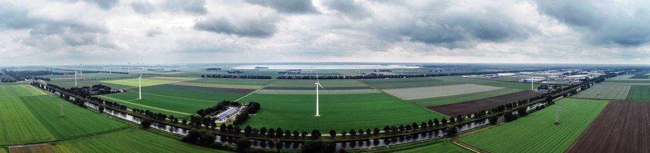 De locatie van het datacentrum dat Polder Networks BV bij Zeewolde wil bouwen. Welk Amerikaans bedrijf achter deze brievenbus-bv schuilgaat, wordt pas bekend als alle vergunningen binnen zijn.
