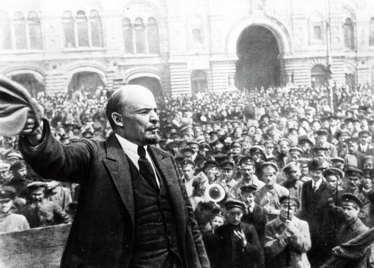 Vladimir Iljitsj Lenin preekt de revolutie in Moskou
