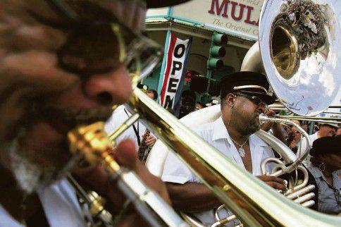 Een begrafenisoptocht in New Orleans