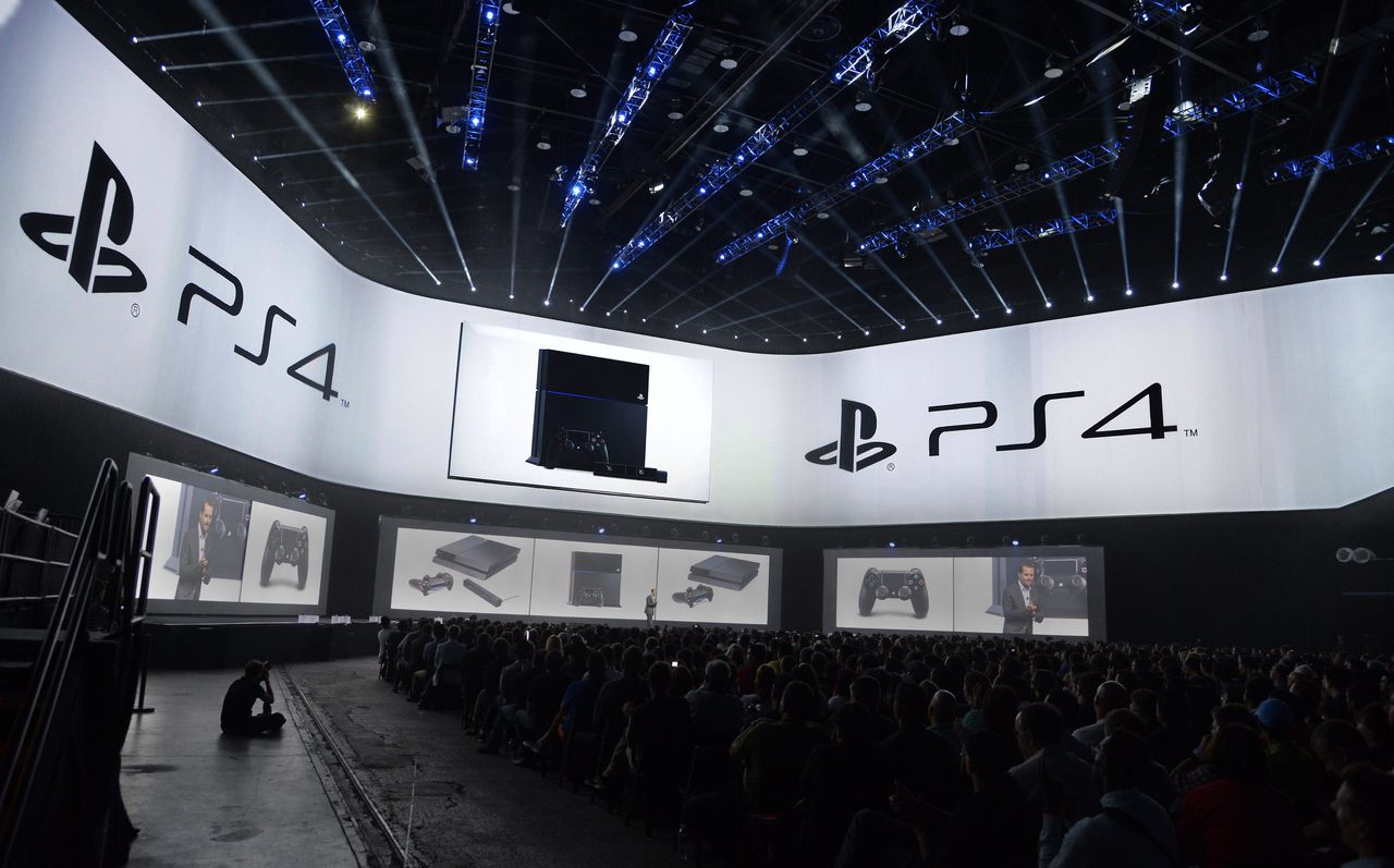 epa04247348 Sony's refreshed PS4 hardware is unveiled at the Sony PlayStation press conference prior to the start of the E3 (Electronic Entertainment Expo) in Los Angeles, California, USA, 09 June 2014. The E3 expo introduces new games and gaming devices. EPA/MICHAEL NELSON