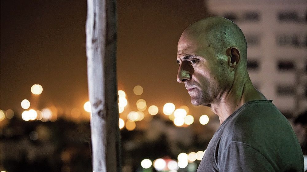 Mark Strong als Max Easton in Deep State.