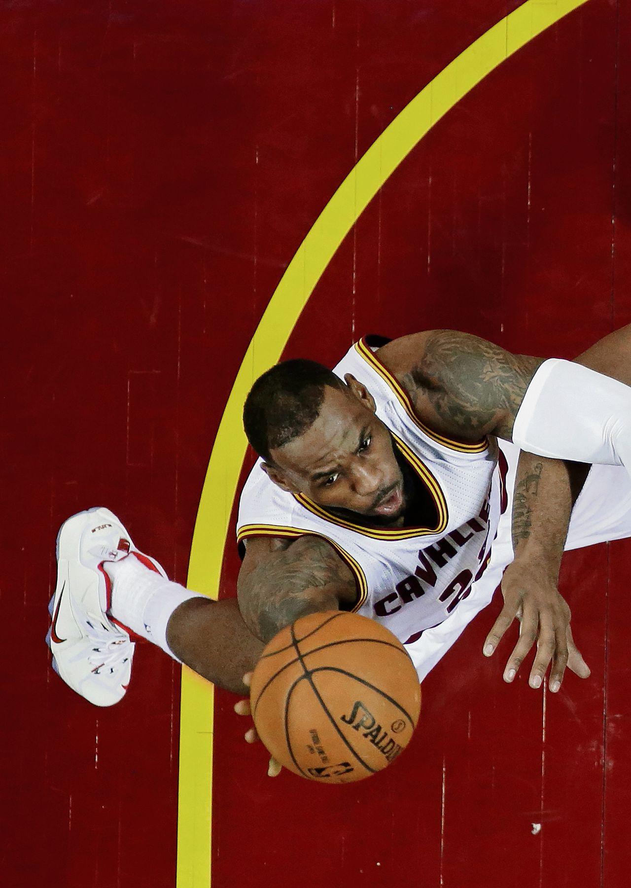 De terugkeer van LeBron James dit seizoen naar de Cleveland Cavaliers heeft het zelfvertrouwen van ploeg en stad een flinke impuls gegeven.