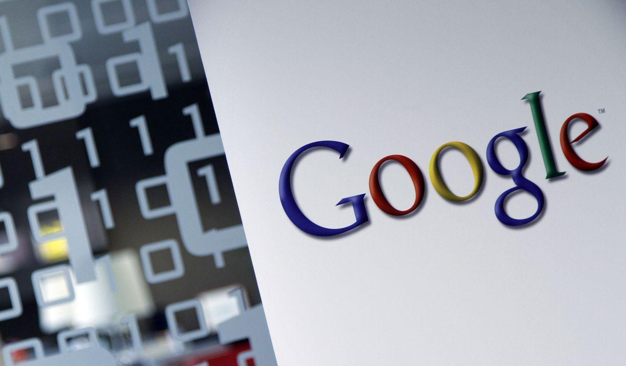 Het logo van Google op het hoofdkantoor van het bedrijf in Brussel.