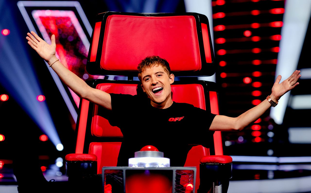 Rapper Lil' Kleine als coach bij het tv-programma The Voice of Holland.