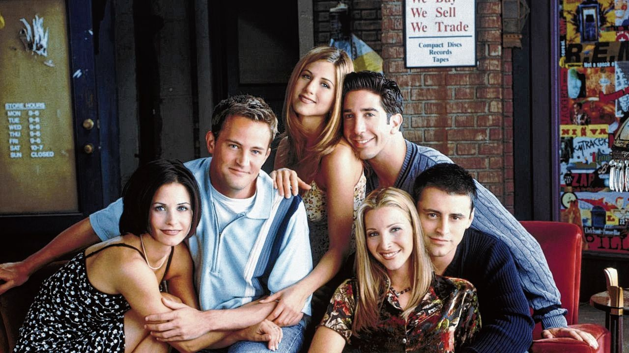 De cast van Friends: Monica, Chandler, Rachel, Ross, Phoebe en Joey, gespeeld door Courteney Cox, Matthew Perry, Jennifer Aniston, David Schwimmer, Lisa Kudrow en Matt LeBlanc.