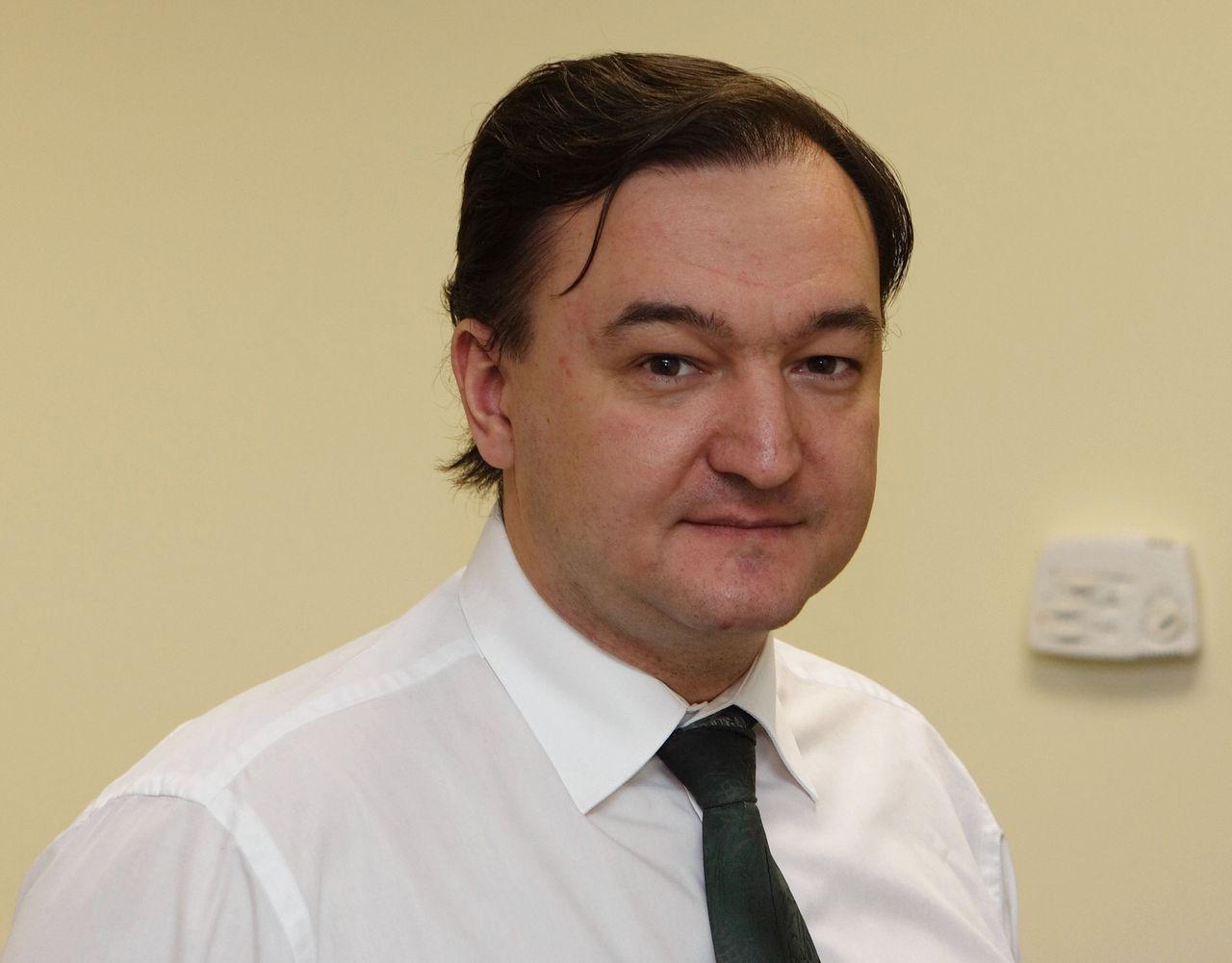Een foto van Sergej Magnitski uit 2006. De Russische advocaat overleed in 2009 in een gevangenis.