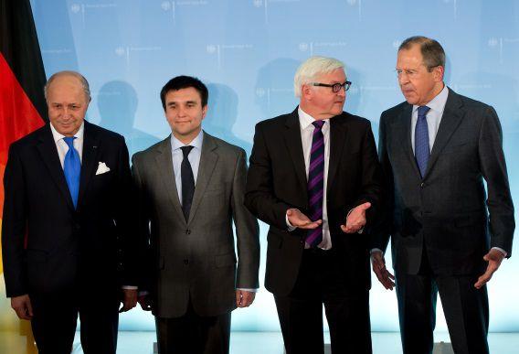 Van links naar rechts: de ministers van Buitenlandse Zaken Laurent Fabius (Frankrijk), Pavlo Klimkin (Oekraïne), Frank-Walter Steinmeier (Duitsland) en Sergej Lavrov (Rusland)