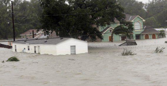 Wednesday, Aug. 29, 2012, in Braithwaite. (AP Photo/David J. Phillip)