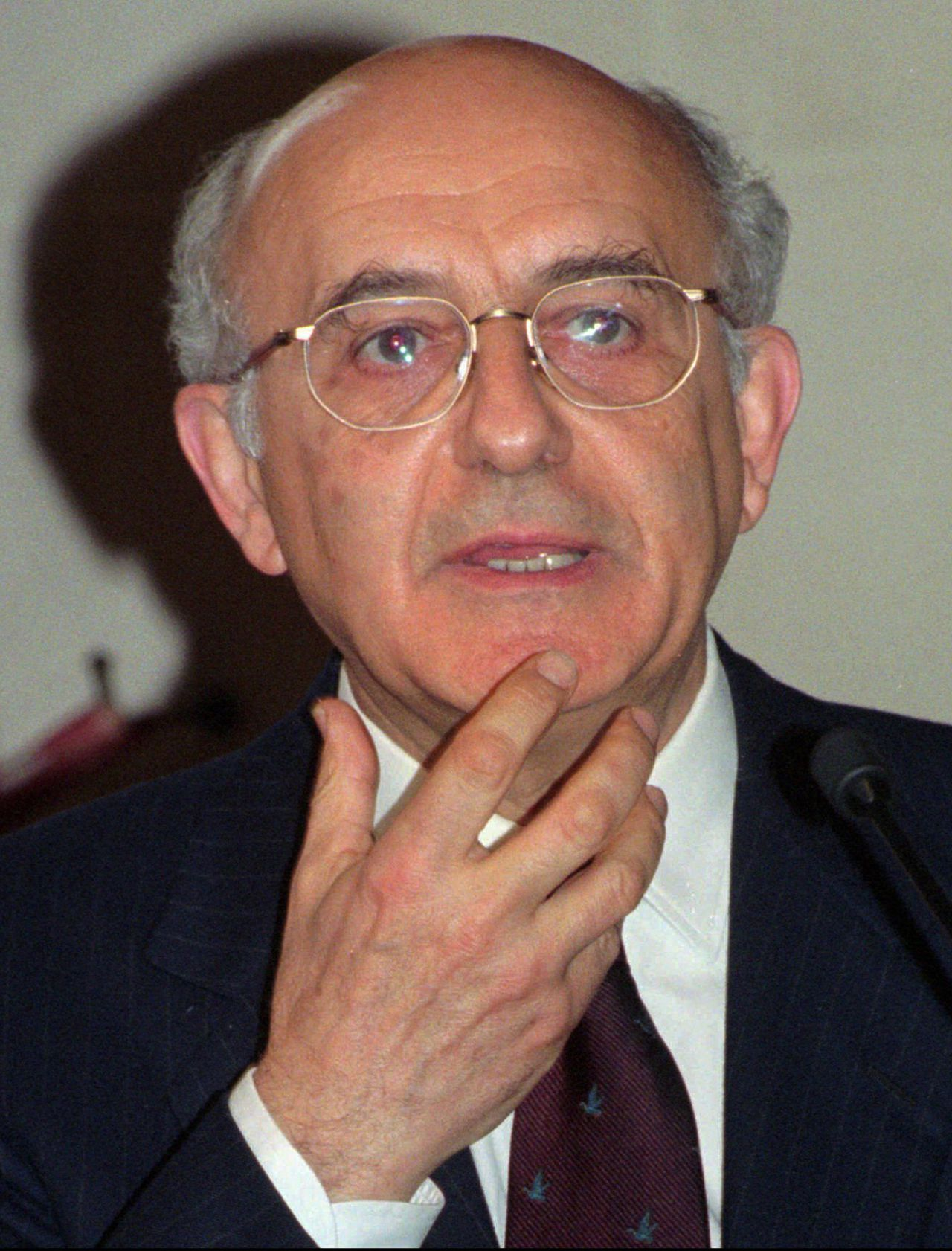 FILE - In this Wednesday, Feb. 21, 1996 file photo, judge Antonio Cassese gestures, in Paris, France. The Special Tribunal for Lebanon says its former president, renowned Italian jurist Antonio Cassese, has died after a long battle with cancer. The court said in a statement Saturday, Oct. 22, 2011, that Cassese died peacefully at his home in Florence on Friday night. His death came less than two weeks after Cassese stepped down as the tribunal's president due to his ill health. Cassese was one of the world's most respected experts in international law. He also served as the first president of the International Criminal Tribunal for the Former Yugoslavia from 1993-97 and led the United Nations' International Commission of Inquiry into Genocide in Darfur in 2004. (AP Photo/Michel Lipchitz, File)