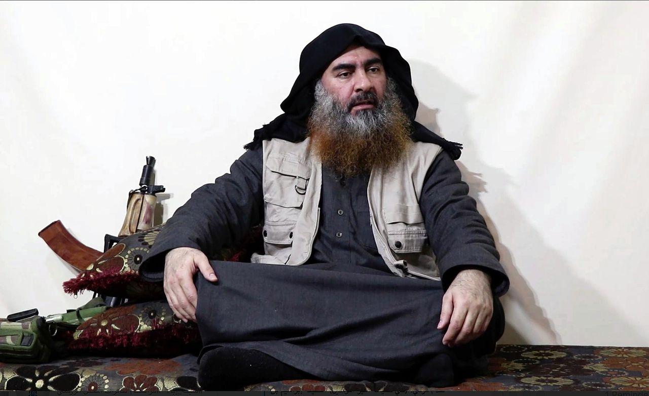 Beeld uit de maandagavond verspreide video met mogelijk IS-leider Al-Baghdadi.