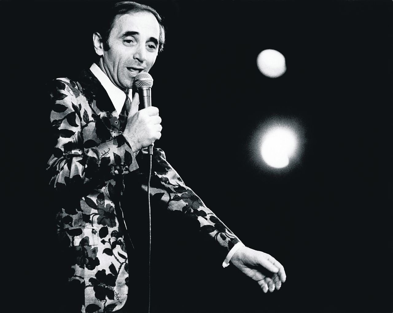 Charles Aznavour in het Parijse theater Olympia, 1973