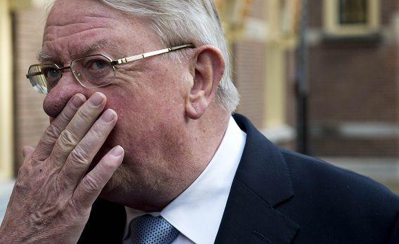 Oud-minister van Defensie Hans Hillen gaf advies aan een van corruptie verdachte politicus op Bonaire.
