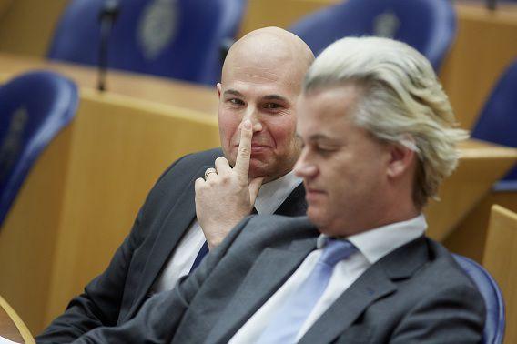 PVV-ers Joram van Klaveren en Geert Wilders vorig jaar tijdens het debat over het 'Marokkanenprobleem'.