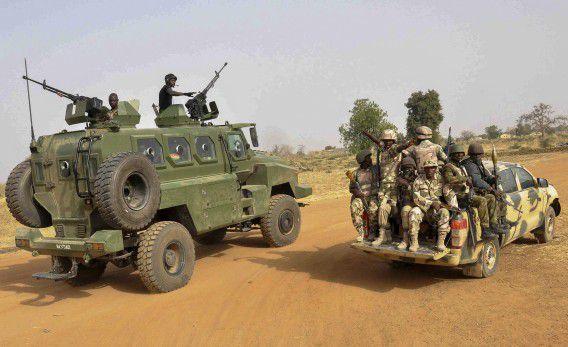 Een patrouille van het Nigeriaanse leger in de Noord-Nigeriaanse provincie Borno.