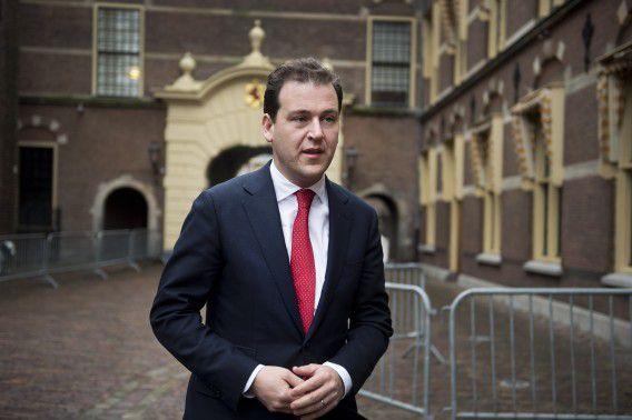 DEN HAAG - Minister Ascher arriveert voor de ministerraad.