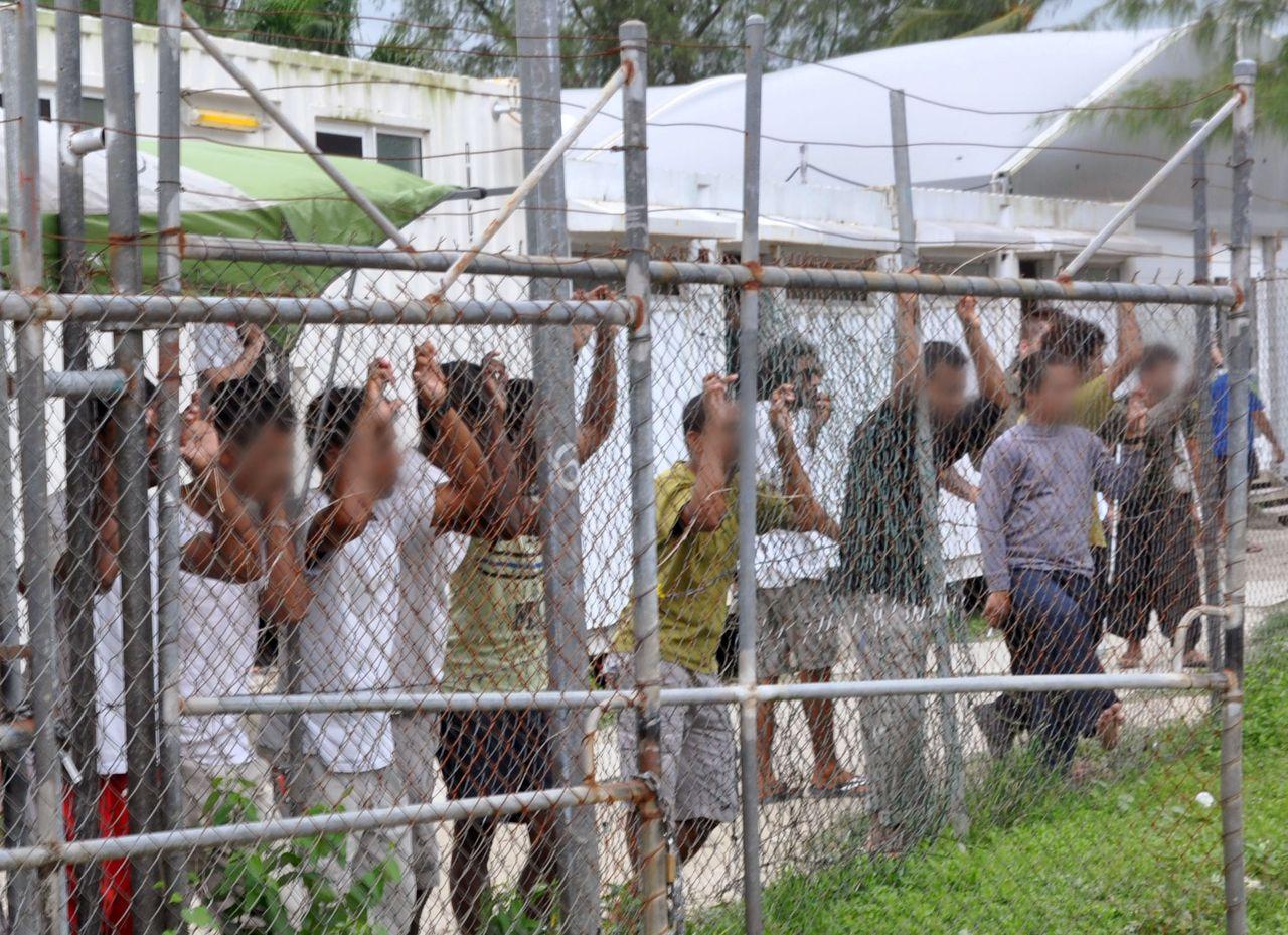 Asielzoekers op Manus in 2014.