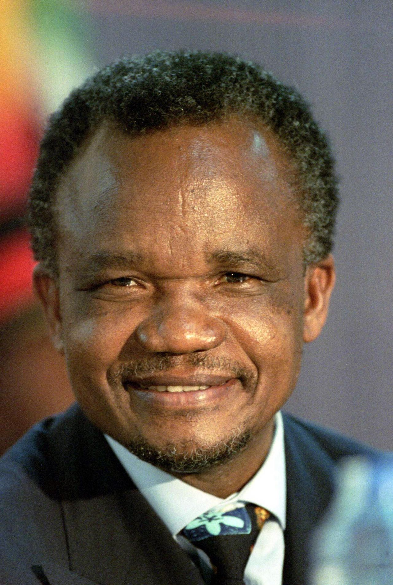 Zambia's President Frederick Chiluba is seen during a news conference at the Southern African Development Cooperation (SADC) in Blantyre, in this file picture taken September 8, 1997. Chiluba, Zambia's first democratically elected president who fought off corruption charges after standing down, has died aged 68, local media reported on June 18, 2011. The cause of death was not immediately clear. REUTERS/Juda Ngwenya (MALAWI - Tags: POLITICS PROFILE HEADSHOT OBITUARY)