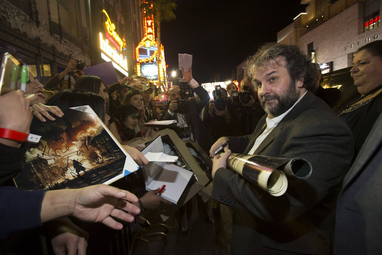 Schrijver, producer en regisseur Peter Jackson gisteren tijdens de première van 'The Hobbit: The Battle of the Five Armies' in Hollywood.