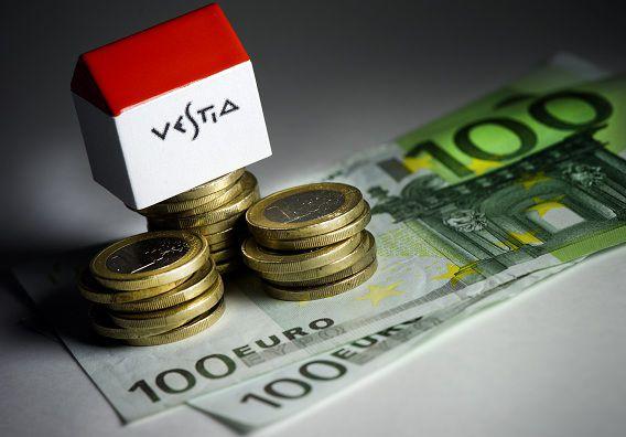 DEN HAAG - Het Openbaar Ministerie claimt 9,4 miljoen euro terug van de aangehouden Vestia-topman Marcel de V.. Hij wordt verdacht van fraude. ANP XTRA LEX VAN LIESHOUT