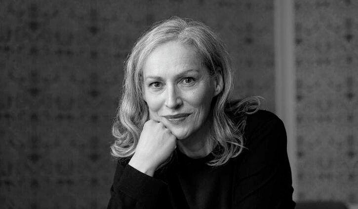 Tassen vertellen verhalen, aldus Manon Schaap, van het Tassenmuseum.