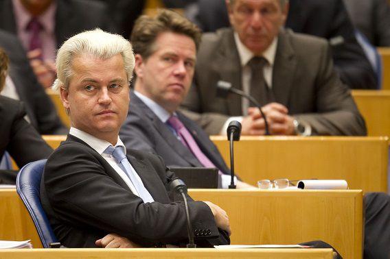 Geert Wilders in de Tweede Kamer, met achter hem Martin Bosma.